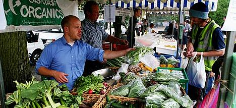 Selling organic fruit and veg