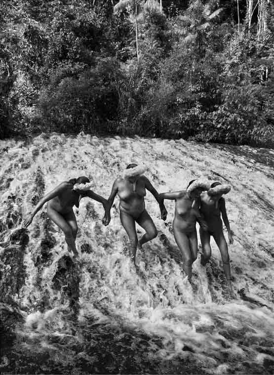 © Sebastiao Salgado/Amazonas/nbpictures. The State of Amazonas, Brazil. 2009.